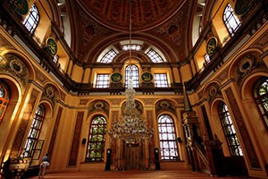 Istanbul-Dolmabahce-Mosque2