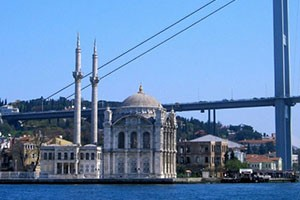 Istanbul-Ortakoy-Mosque2